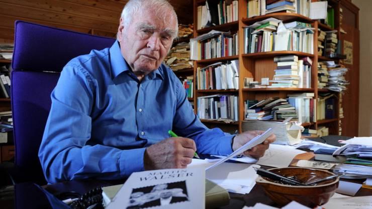 Romane schreiben sich fast wie von allein - behauptet jedenfalls Martin Walser (Archiv).
