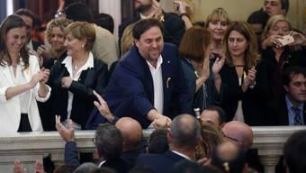 Einer der 18 Angeklagten: Der katalanische Vize-Präsident und eine der Führungsfiguren der Unabhängigkeitsbewegung Oriol Junqueras (Mitte) im Oktober 2017.