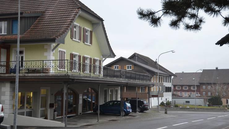 Die ZMS AG ist in Aettenschwil seit 25 Jahren in der ehemaligen Käserei untergebracht. Nun zieht derMedienbeobachtungsbetrieb zur Schwestergesellschaft Argus nach Zürich. ES