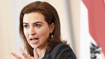 Steht vor einer schwierigen Aufgabe: Österreichs Justizministerin Alma Zadic.