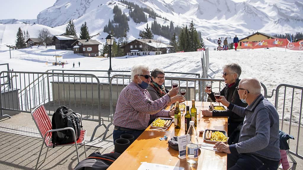 Kommission verlangt Restaurant-Öffnungen am 22. März