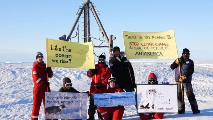 """""""Our research delivers the facts. NOW it's time to act"""", fordern Forscher in der Arktis und der Antarktis. Man solle auf ihre Ergebnisse zum Klimawandel genauso hören wie auf epidemiologische Daten zum Coronavirus. Sie unterstützen den Online-Klima-Streik unter dem Motto #FightEveryCrisis (Twitter)"""