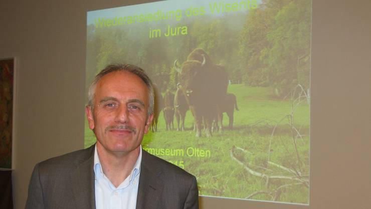 Christian Stauffer macht sich für Wisente im Jura stark.