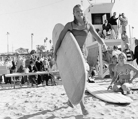 Joyce Hoffman, einer der ersten weiblichen Surfstars.