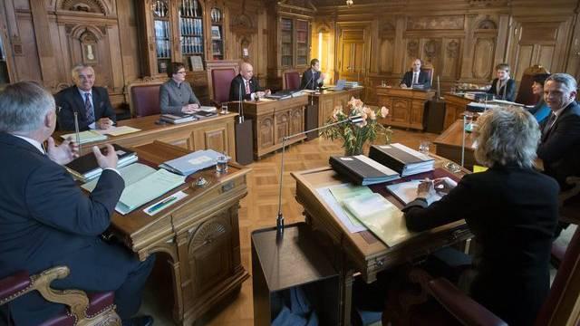 Die Mehrheit der Schweizer will keine Volkswahl des Bundesrates - Die Landesregierung im Bundesratszimmer (Januar 2013)