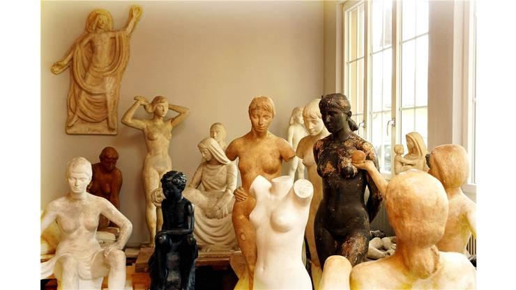 Walter Huser war der weiblichen Schönheit zugetan. Bald sollen die Figuren auch im Garten gezeigt werden.