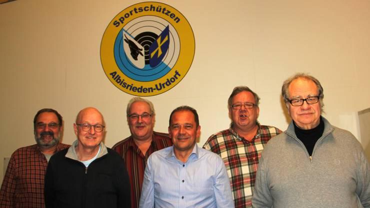 Der Vorstand (vl) Karl Meier, Bruno Lässer, Albert Buchwalder (Präsidebt), Hansruedi Meier, Heinz Gamper, Ermanno Bachmann
