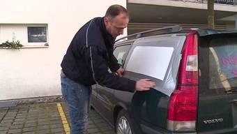 Mehrere Autobesitzer ärgerten sich am 24. Dezember über abgerissene Scheibenwischer und eingeschlagene Scheiben. Die Polizei hat die Vandalen geschnappt.