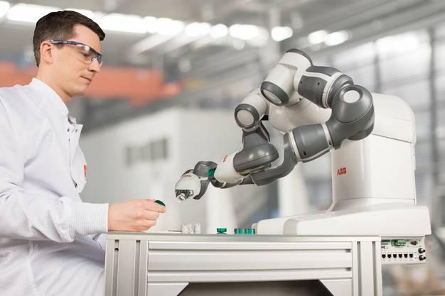 Yumi ist ein zweiarmiger Industrieroboter. Die ABB hat ihn 2014 lanciert.
