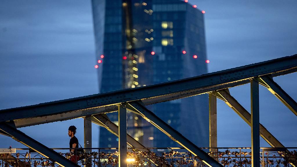 EZB hält Leitzins im Euroraum auf Rekordtief von null Prozent