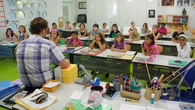 Schulbeginn, hier im Schulhaus Steinmürli Dietikon.jpg