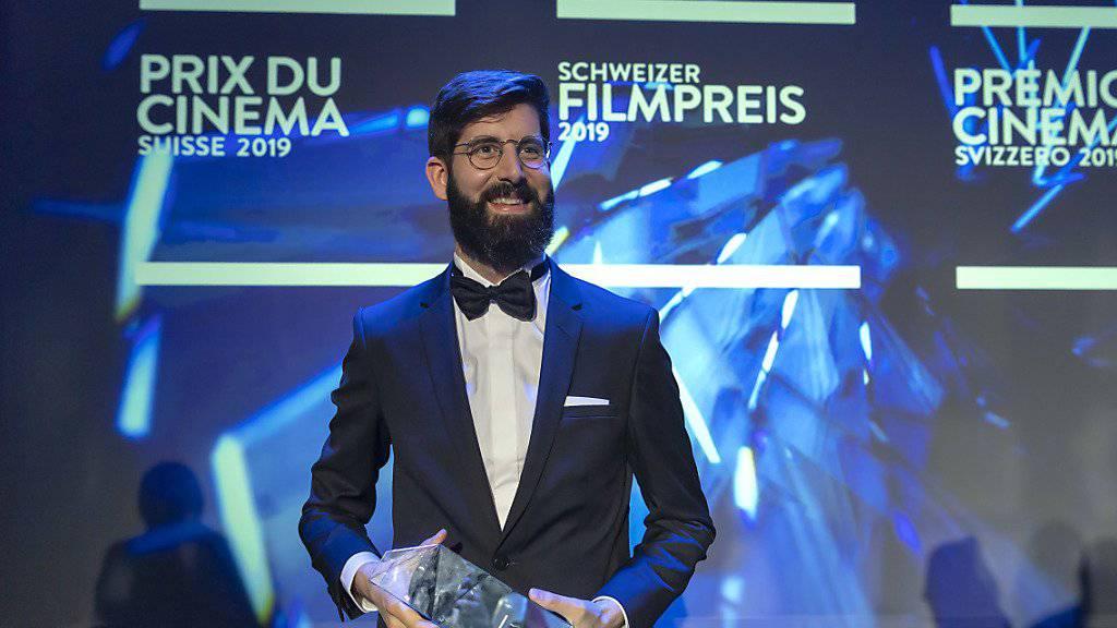 Grosser Gewinner beim Schweizer Filmpreis 2019: Der Westschweizer Regisseur Antoine Russbach räumte mit seinem Film «Ceux qui travaillent» in den Kategorien Bester Spielfilm, Bestes Drehbuch und Beste Darstellung in einer Nebenrolle ab.
