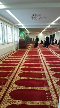 Das Nachmittagsgebet in der Moschee