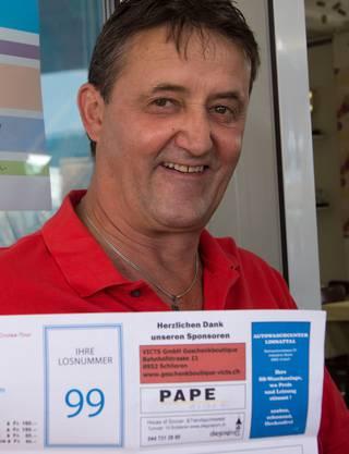 Silvio Ugolini hofft, dass ihm sein 99-Franken-Los Glück bringt