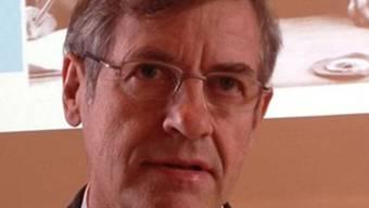 November 2012: Jürg Rüedi referiert zum Thema schulische Disziplin an der Neuen Kantonsschule Aarau. (HO)