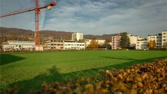 Gässliacker: Der Gemeinderat will hier ein Ärztehaus und Alterswohnungen ermöglichen, der Kanton womöglich eine Asyl-Grossunterkunft erstellen. Chris Iseli