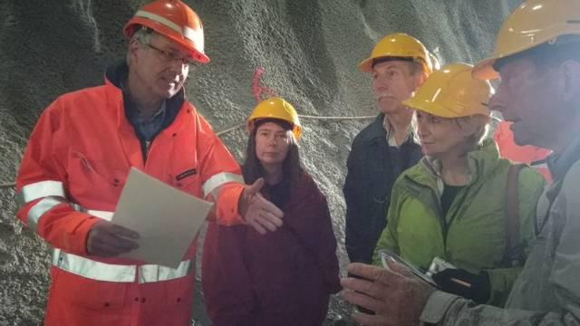 Viele Informationen für interessierte Besucher am Tag der offenen Tür auf der Bözbergtunnel-Baustelle.