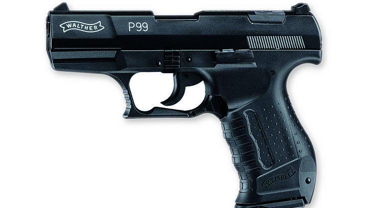 Eine der vom Angeklagten in Deutschland bestelltenSoftair-Pistolen.