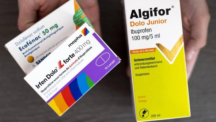 In der Schweiz zahlt man für Medikamente mehr als im nahen Ausland.