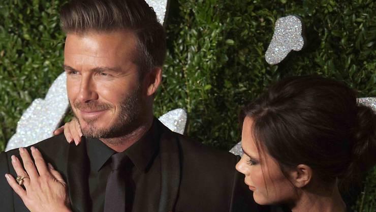 Als sie sich mit 24 zum ersten Mal begegneten, traf sie gleich Amors Pfeil: Victoria und David Beckham. (Archivbild)