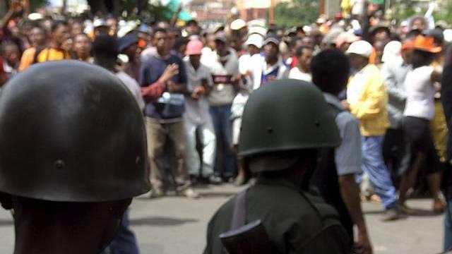 Demonstranten auf Strassen Antananarivos