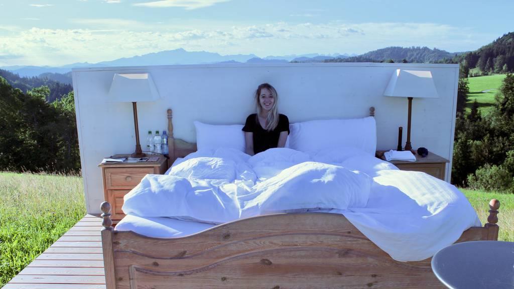 Wenig Schlaf und Insekten – eine Nacht in der Nullstern-Suite