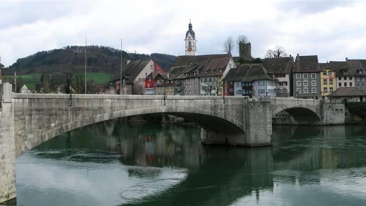 Die Sanierung der Laufenbrücke gab 1979 zu reden; dreissig Jahre später entbrannte um die Sanierung sogar ein Rechtsstreit.