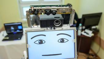 Ein Spitalroboter, wie er für Alzheimer-Patienten in Polen eingesetzt wird. (Symbolbild)