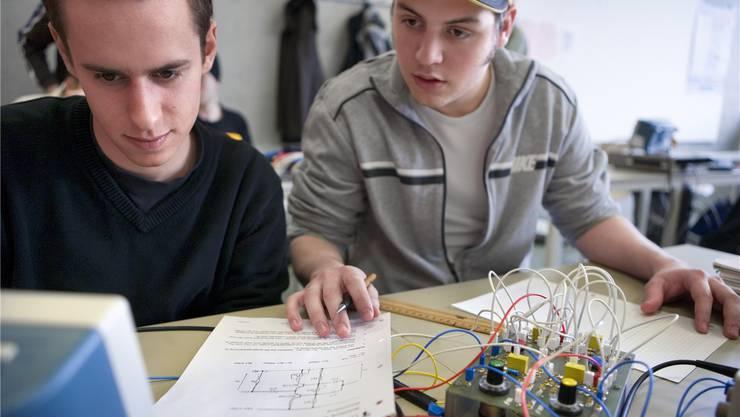 Technische Berufsschule: Potenzielle Lehrlinge gehen lieber an die Mittelschulen. MARTIN RUETSCHI/KEYSTONE