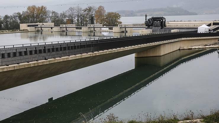 Das neue Wasserkraftwerk Hagneck der BKW und des Energie Service Biel ersetzte ein älteres und wurde 2015 eingeweiht.