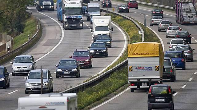 Der Unfall ereignete sich auf der Autobahn A1. (Symbolbild)
