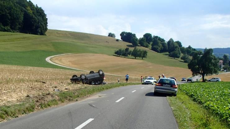 Am Fahrzeug entstand Totalschaden.