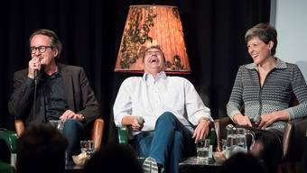 Die drei Stadtammannkandidaten Erich Obrist, Markus Schneider und Sandra Kohler (v.l.) an einem satirischen Wahlpodium. (Archiv)
