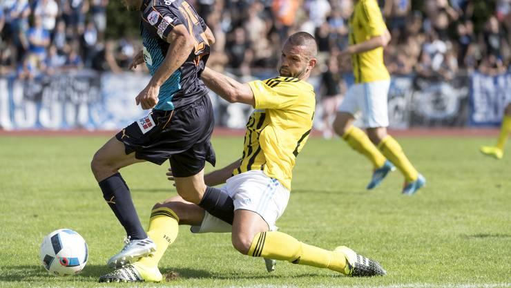 Der Basler Loic Limanaj im Kampf um den Ball beim Cup-Spiel gegen GC im August 2016.
