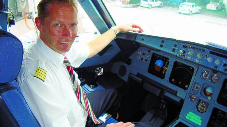 Flugkapitän: Der Grenchner Rolf Stuber fliegt seit 20 Jahren für die Swissair respektive Swiss.