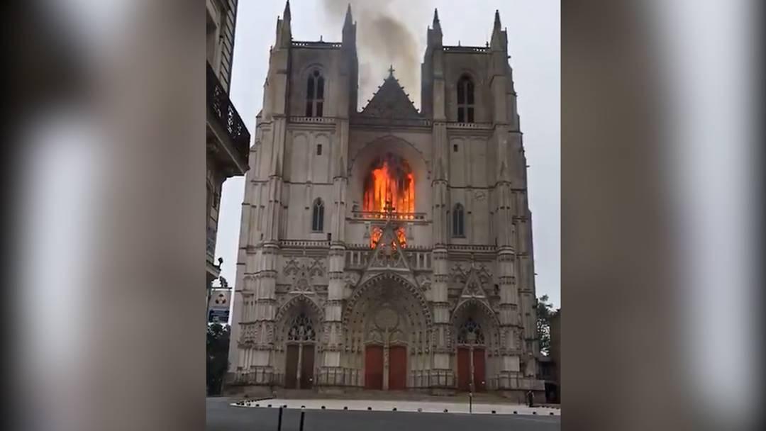 Frankreich: Feuer in der Kathedrale von Nantes ausgebrochen