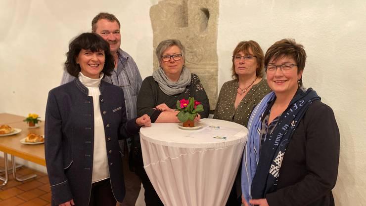 v. l. n. r. Präsidentin Diana Stärkle, Gemeinderat Franz Fischer, Kassiererin Silvia Meyer, Aktuarin Interim Angi Fischer, Kantonsrätin Christine Rütti