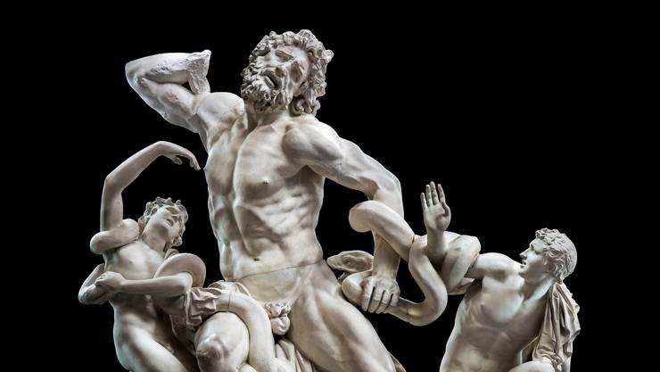 Der griechische Held Laokoon kämpft bis zur Erschöpfung. Vergeblich.