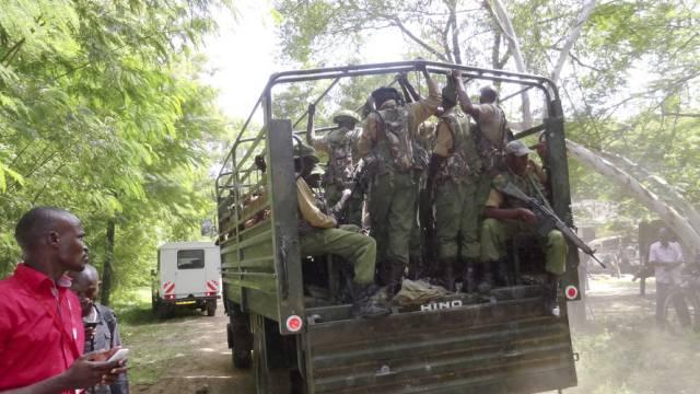 Pickup-Truck mit kenianischen Soldaten in Mpeketoni (Symbolbild)