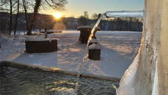 Das Bild täuscht: In Zeiningen sind die Brunnen derzeit wegen des tiefen Grundwasserspiegels abgestellt. Symbolbild/archiv