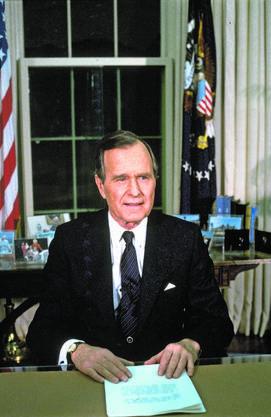 Der damalige US-Präsident George H. W. Bush gab im Weissen Haus in Washington in seiner Rede zur Nation am 16. Januar 1991 die Operation «Desert Storm» und damit den Angriff auf den Irak bekannt.