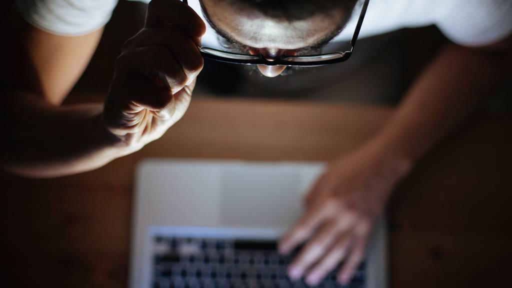 Mann im Internet um tausende Franken betrogen