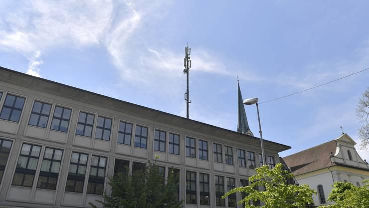 Die  Swisscom hat ein Baugesuch für den Umbau der Mobilfunkantenne auf dem ehemaligem Postgebäude Centralstrasse 3 eingereicht