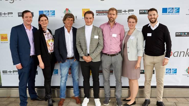 v.l.n.r: Marc Meyer, Elisabeth Nadenbousch, André Lüthi (globetrotter), Christoph Ackermann (cubetech), Andi Gehri (meinbau), Martina Häberle, Guy Pillichody