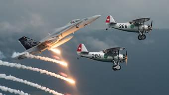 Der F/A-18 J-5018 mit Bernhard Kocher und die beiden Dewoitine D.26 mit Paul Misteli in der Grenchner Dewoitine (286) und Laurent Calame (284).
