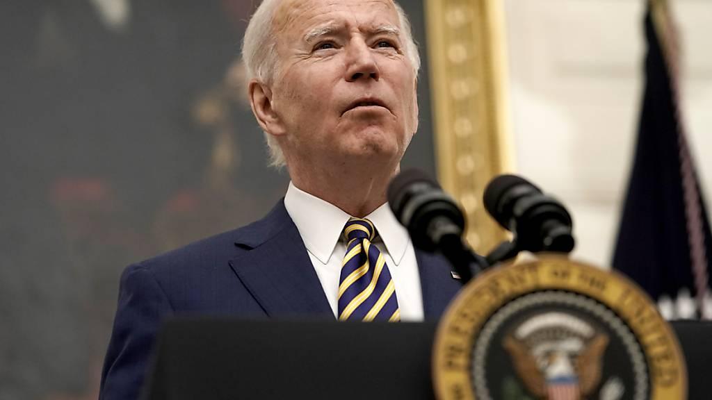 Der neue US-Präsident Joe Biden rechnet in nächster Zeit mit einem weiteren Anstieg von Todesfällen wegen des Coronavirus. (Archivbild)