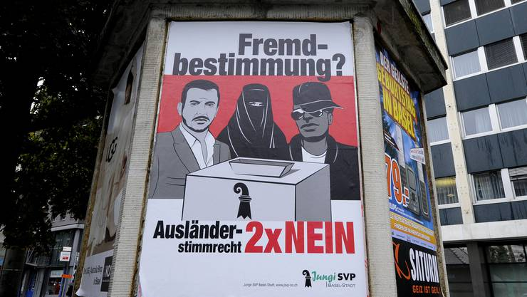 Die Plakate der Gegenkampagne von 2010 setzten auf Stereotype.