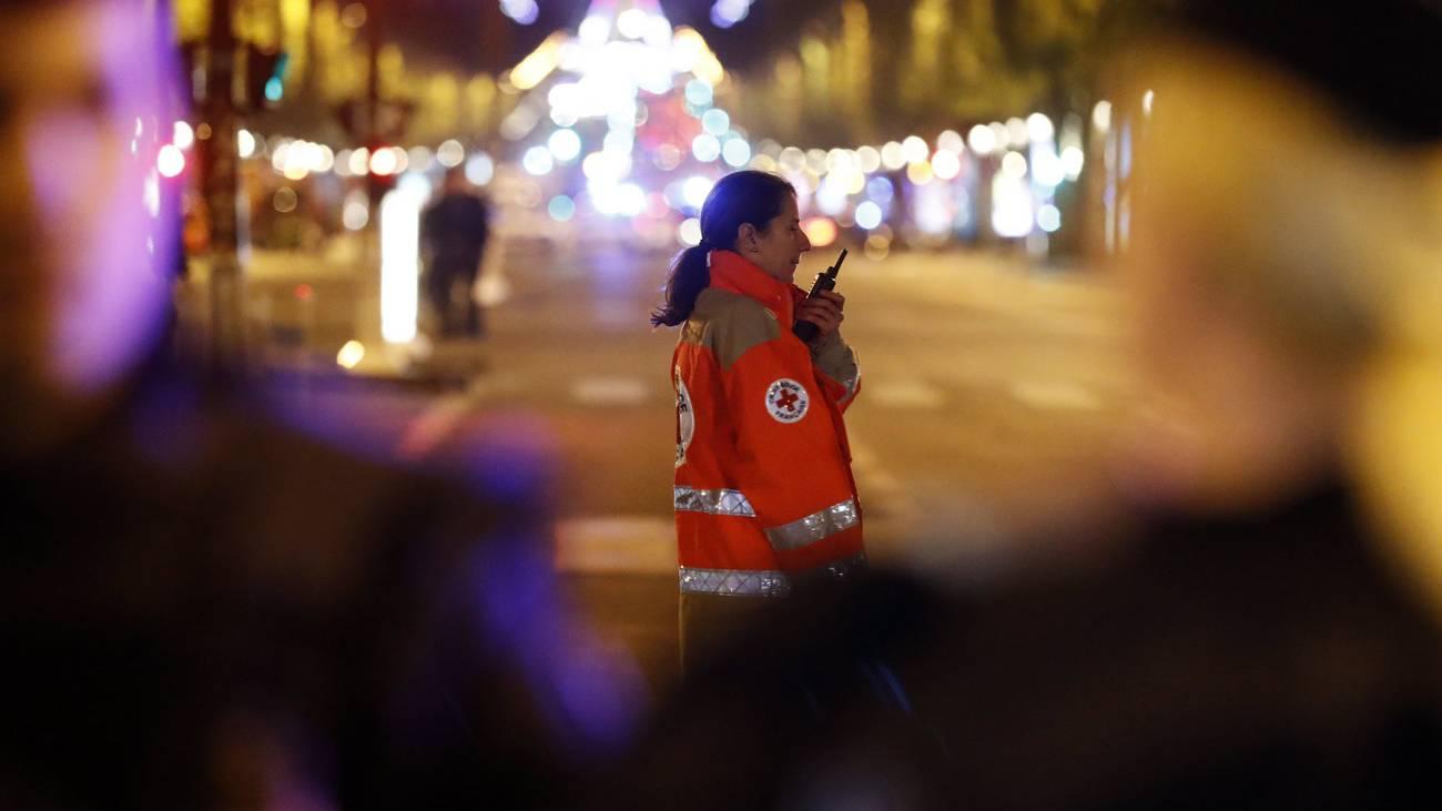 Paris Terrorattacke Polizist erschossen IS