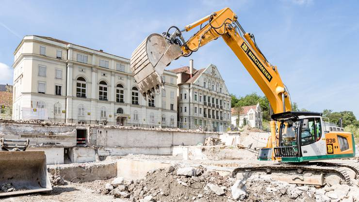 Das Bäderquartier im Wandel: Der Verenahof (links) und der Bären mit seiner Neurenaissance-Fassade werden bis 2020 umfassend saniert.