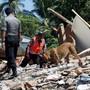 Nach Angaben der nationalen Katastrophenschutzbehörde muss davon ausgegangen werden, dass es noch mehr Tote geben wird. Zudem sind rund 156'000 Menschen obdachlos geworden.